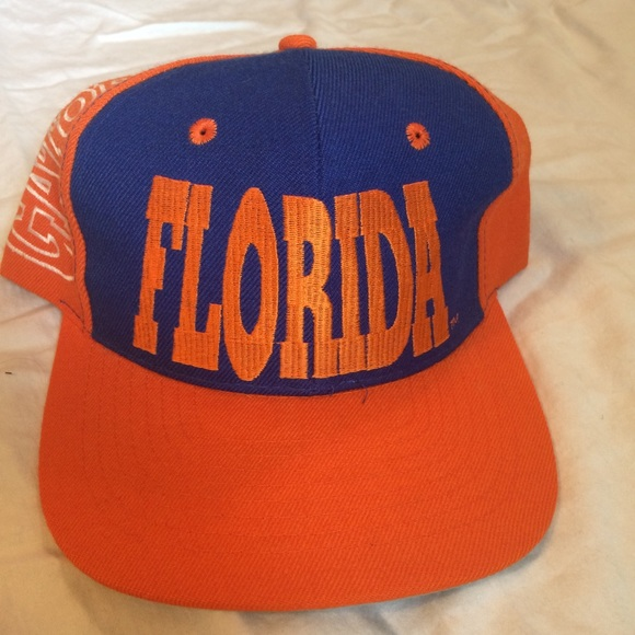 size 40 3c71d 671c1 Spell Out Vintage Florida Gators SnapBack Hat. M 5b2d56f8baebf68911a940c9.  Other Accessories you may like. Nike Georgia Bulldogs Dri Fit ...